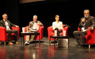 Colloque 2018 Les Arts et la Ville à Sept-Îles : Blaise Gagnon, animateur, et quelques conférenciers.